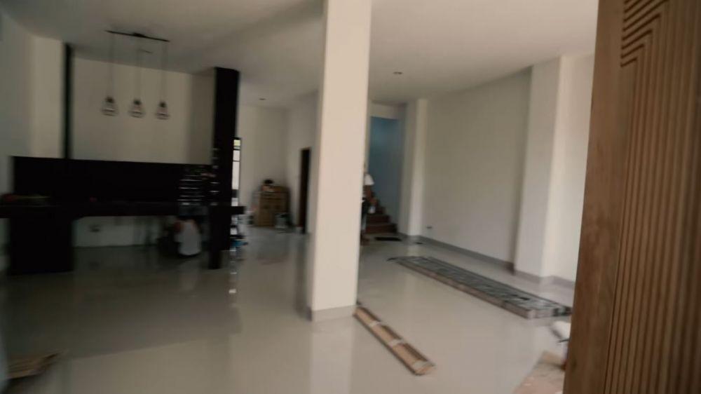 rumah Adipati Dolken © 2020 brilio.net YouTube