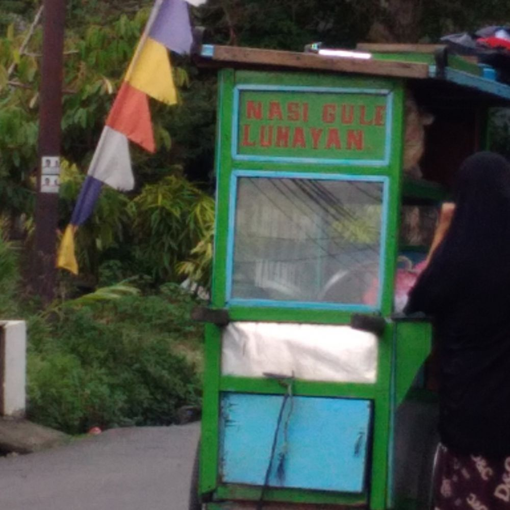 Tulisan lucu di gerobak dorong © Twitter