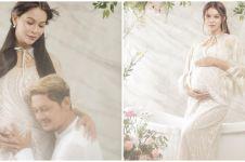 10 Potret maternity Bunga Jelitha bertema bunga, pesonanya terpancar