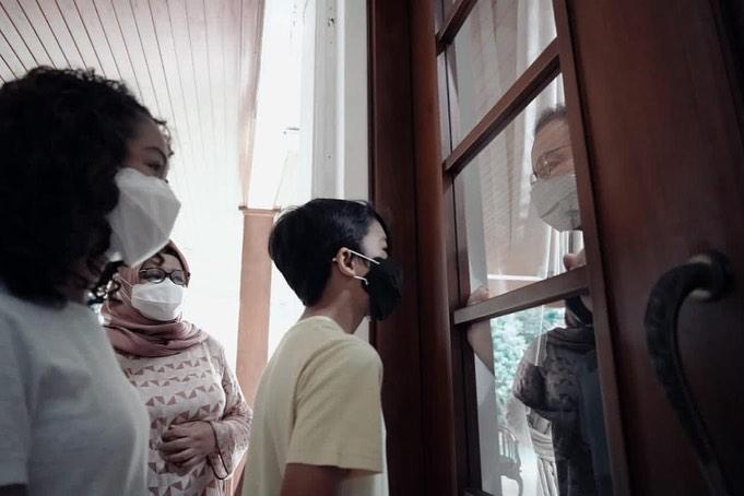 momen Anies Baswedan dijenguk keluarga © 2020 brilio.net Instagram