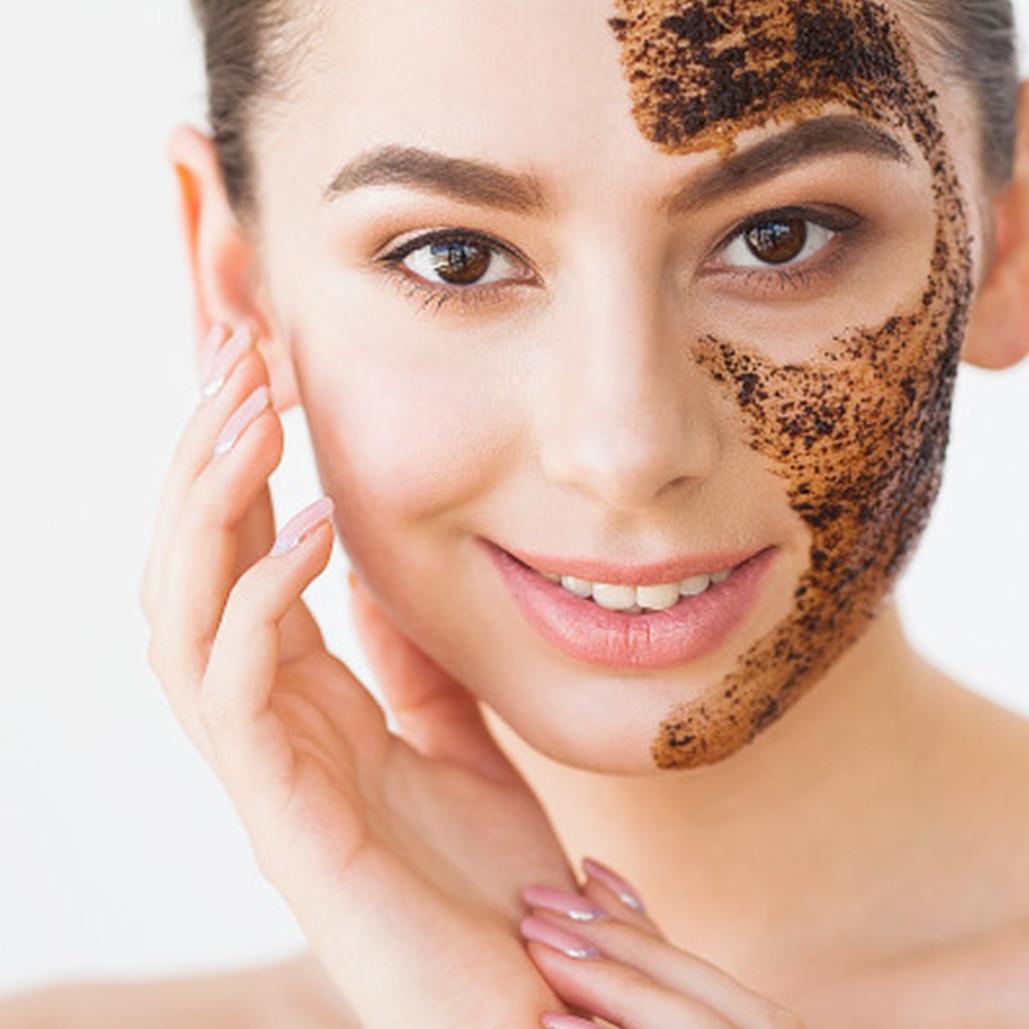 Cara membuat masker dari kopi dan gula pasir, angkat sel kulit mati
