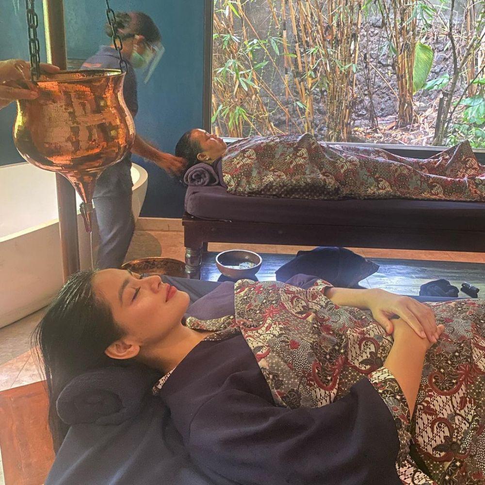 Momen kedekatan Titi Kamal dan ART Instagram