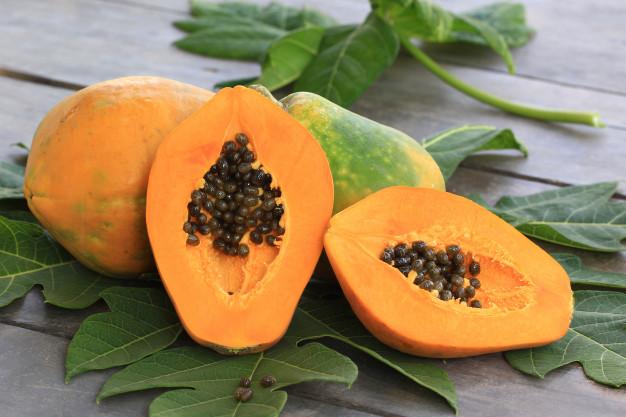 Perpaduan buah untuk sarapan © freepik.com
