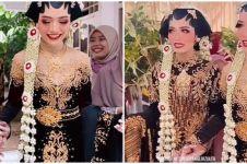 Viral wanita kembar nikah bareng, calon suaminya sempat tertukar