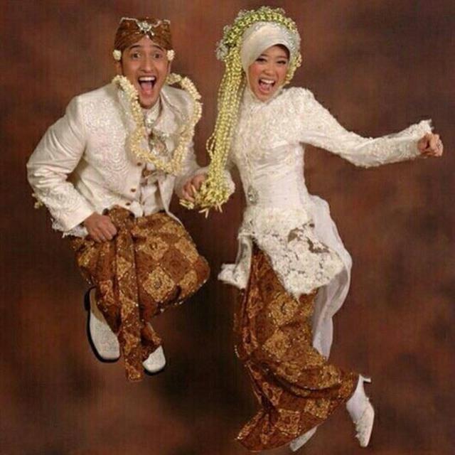 potret lawas pernikahan presenter © 2020 brilio.net