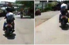 Momen apes orang saat asyik motoran, knalpotnya auto melayang