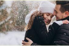 40 Kata-kata caption tentang keindahan cinta, romantis dan bermakna
