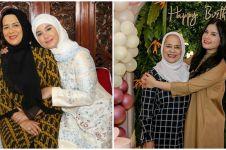 10 Momen kebersamaan Annisa Pohan bareng ibunda, bak kakak adik