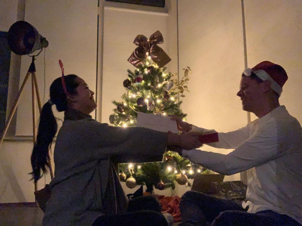 seleb rayakan Natal di tengah pandemi © 2020 brilio.net