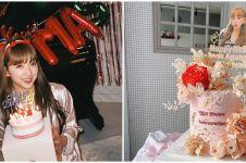 9 Momen ulang tahun Dita Karang, dapat kue dari fans Indonesia