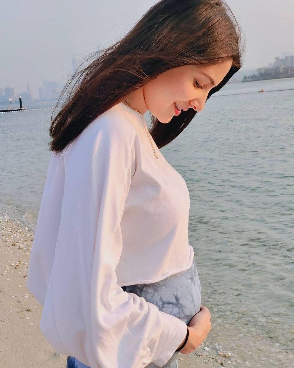 Anushka Sharma pamer baby bump © 2020 berbagai sumber