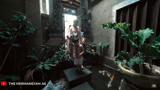 Potret rumah Sarah Menzel © Istimewa