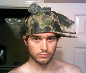bentuk topi paling absurd Berbagai sumber