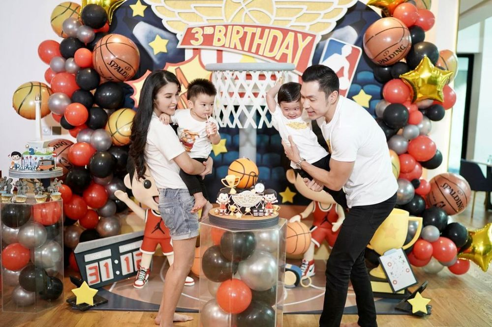 10 Momen seru ulang tahun Raphael anak Sandra Dewi © 2021 brilio.net