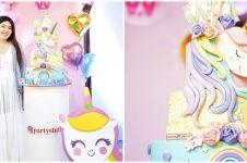 Potret kue ulang tahun 7 penyanyi dangdut, punya Nassar bentuknya unik