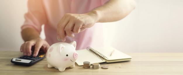 Kata-kata motivasi mandiri keuangan © freepik.com