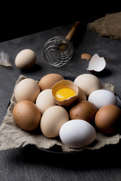 Cara membuat masker dari kopi dan putih telur freepik.com