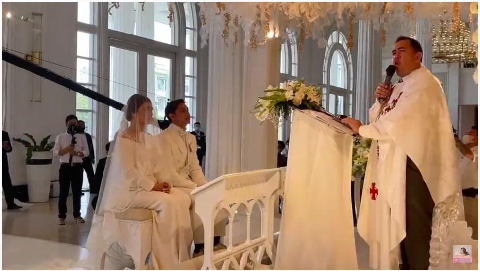 Pernikahan Feli dan Hito © YouTube