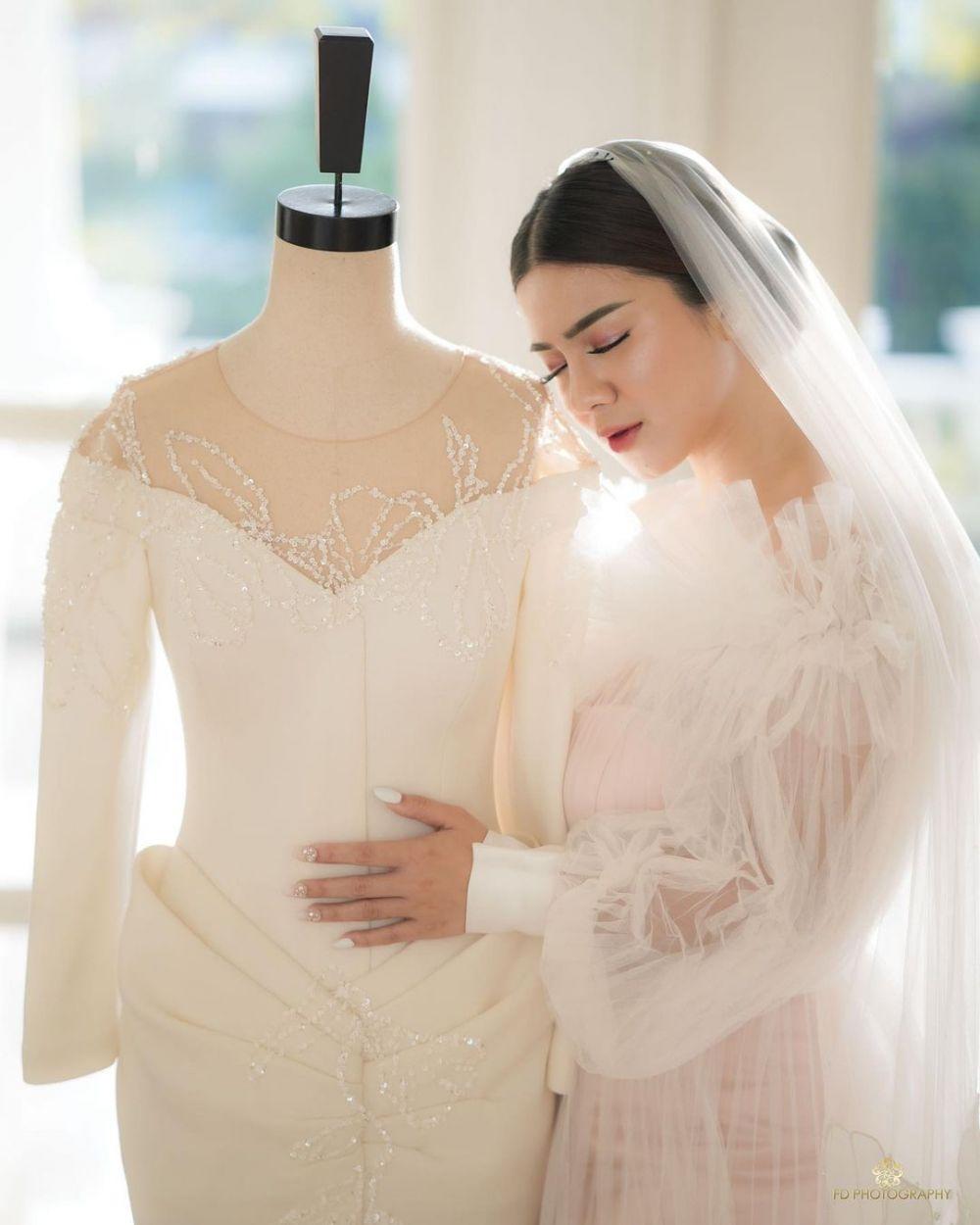 Gaun nikah Felicya Angelista © Instagram