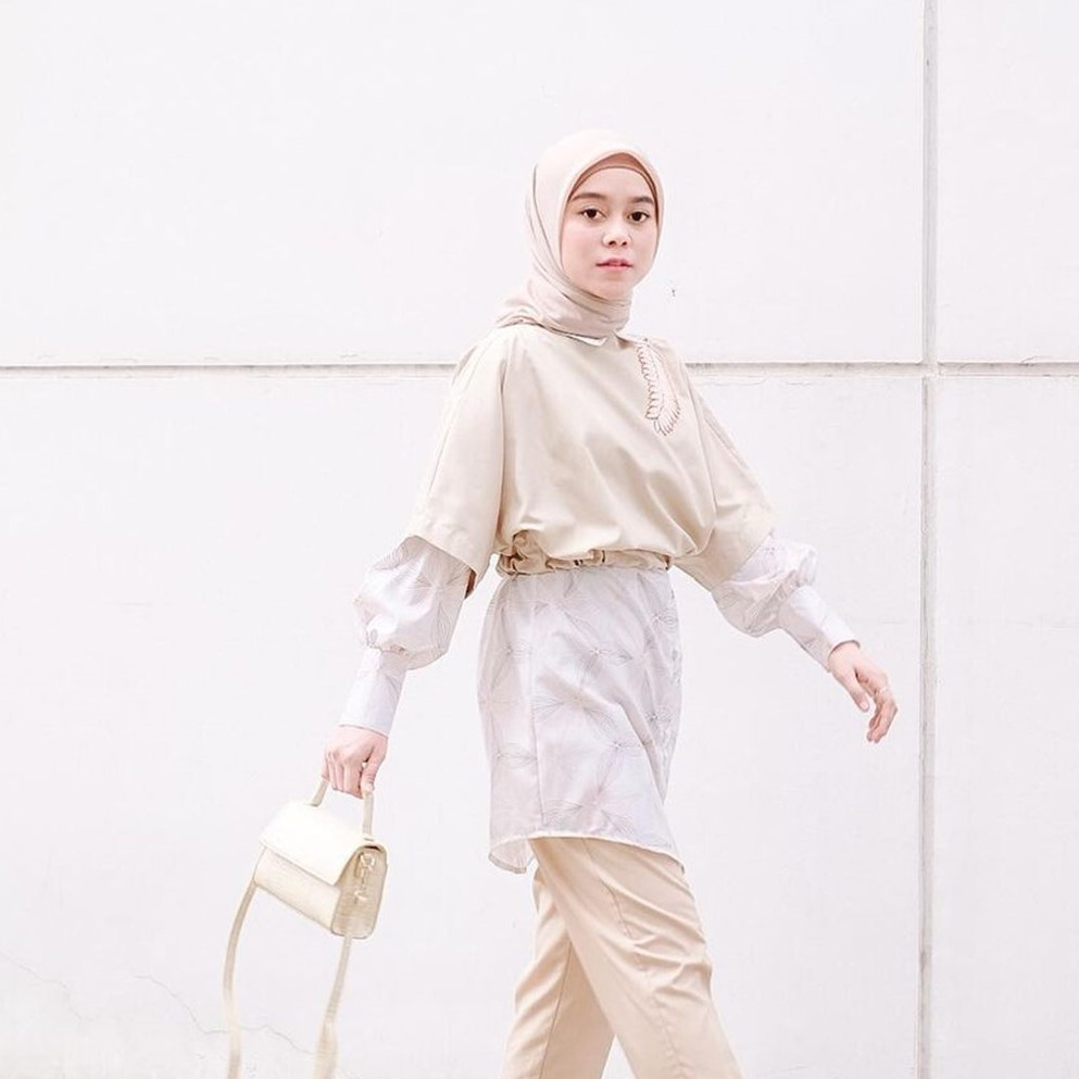 8 Potret Lesty Kejora hadiri ulang tahun Indosiar, hijabnya disorot
