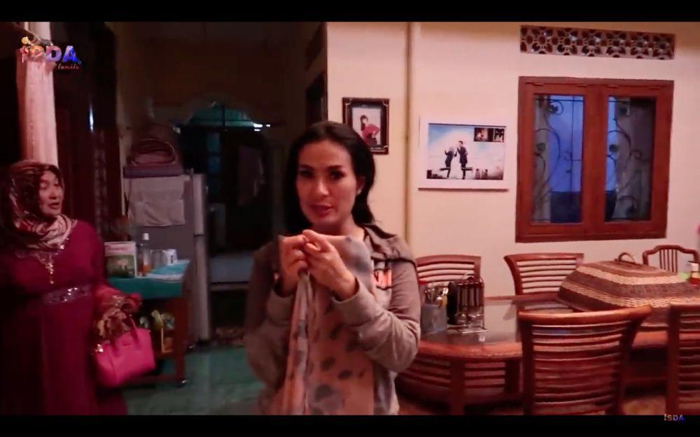 rumah Iis Dahlia di kampung halaman YouTube