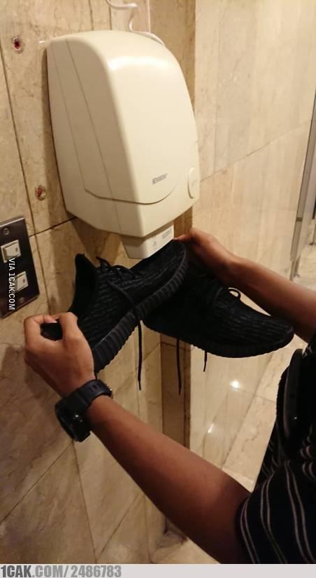life hack saat di toilet Berbagai sumber