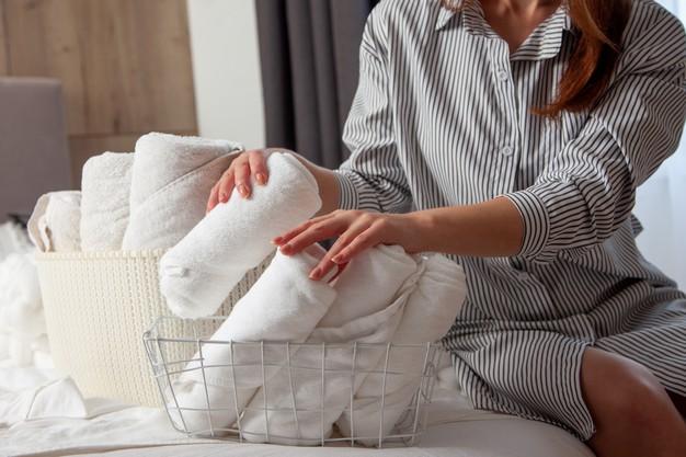 Cara merawat rambut agar tetap sehat di rumah © freepik.com