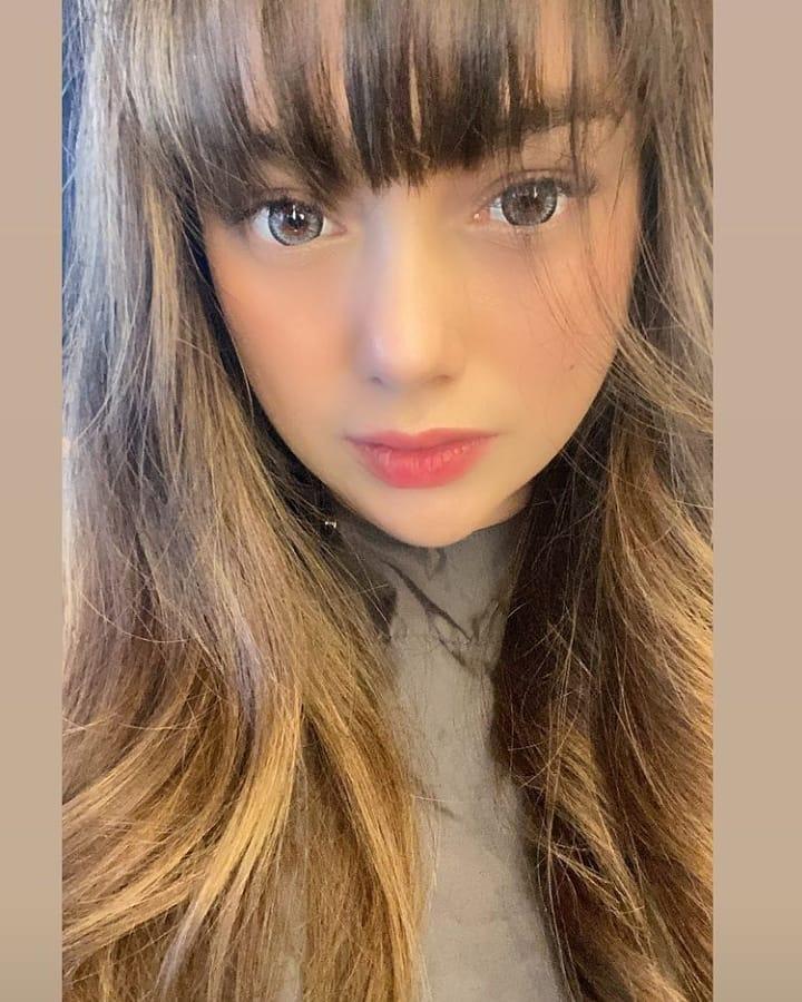 Celine Evangelista rambut poni © Instagram