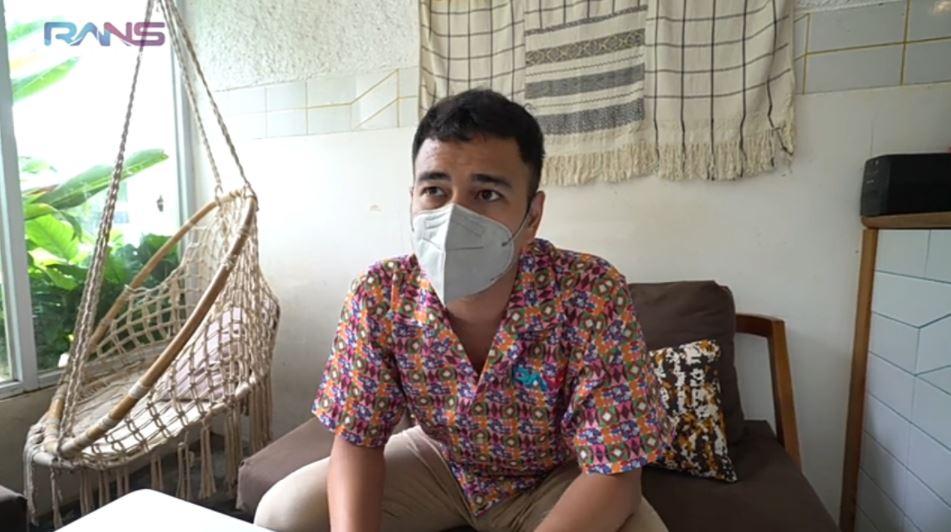 Reaksi Raffi Ahmad usai vaksin © 2021 brilio.net YouTube
