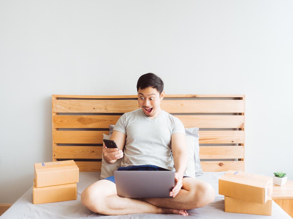 4 cara belanja tetap seru walau di rumah aja, live streaming bikin cuan berbagai sumber