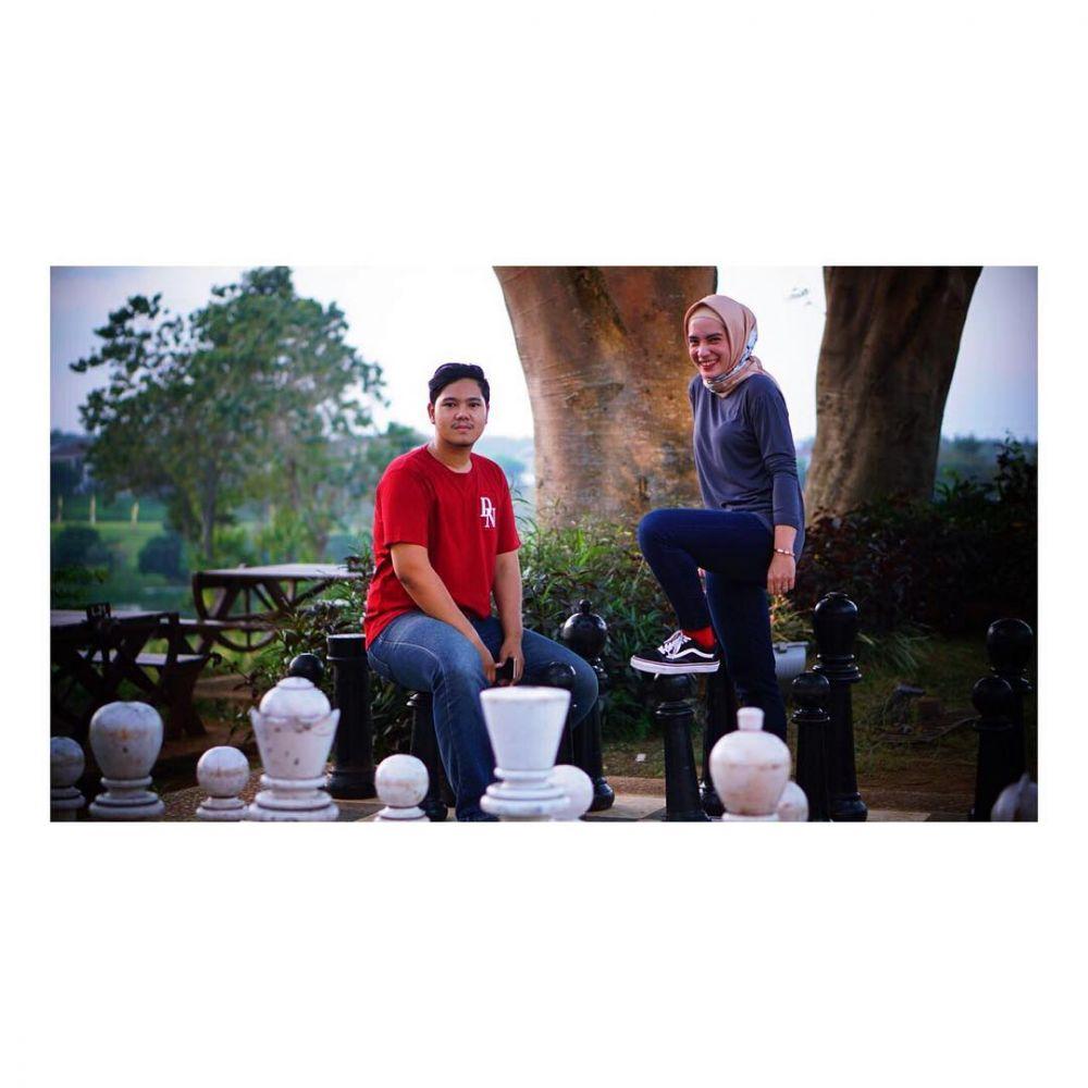 momen akrab pesinetron dengan adik ipar © Instagram