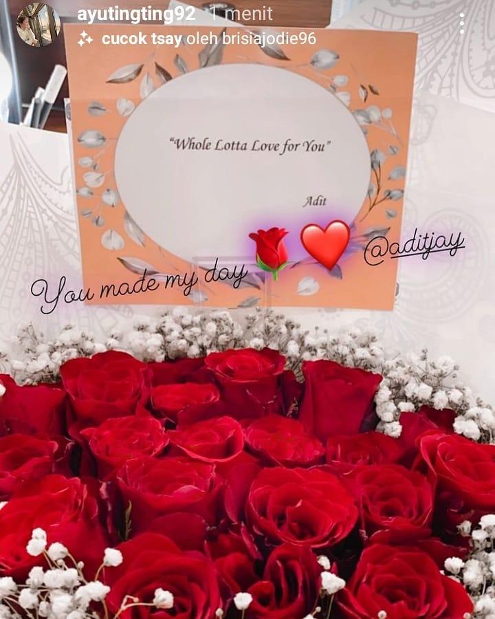 bunga dan surat cinta Ayu © 2021 brilio.net