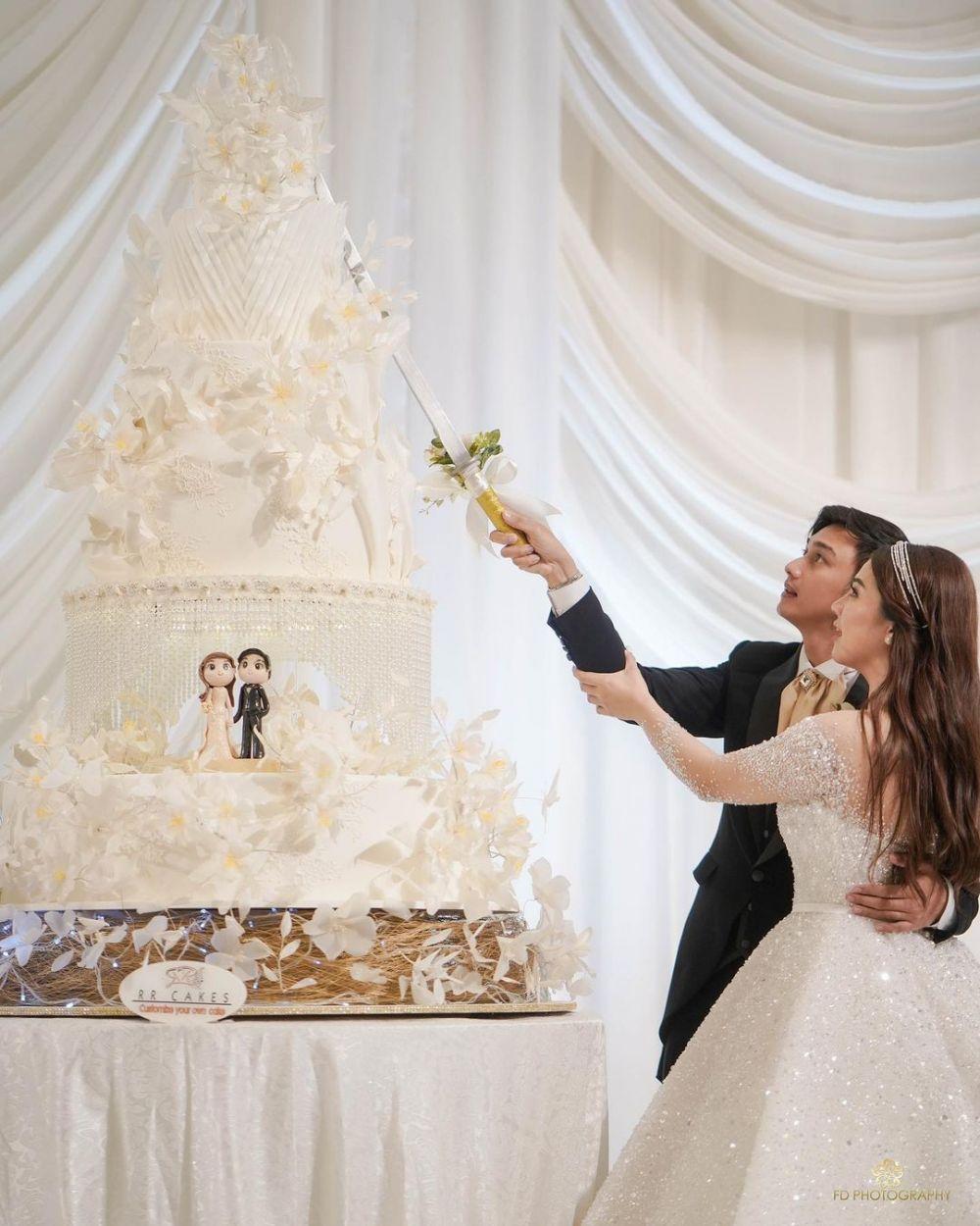 kue pernikahan seleb © 2021 brilio.net