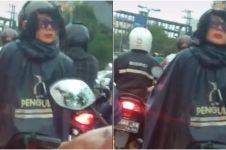 Viral pengendara motor gunakan helm berbentuk wajah, curi perhatian