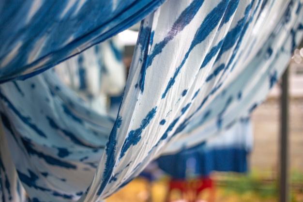 Cara membuat motif tie dye © 2021 brilio.net