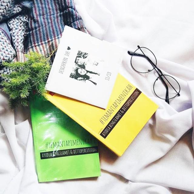 seleb cantik Tanah Air sukses terbitkan buku Berbagai sumber