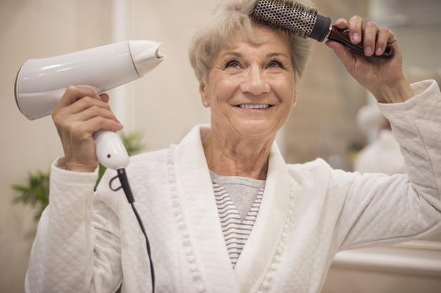 Manfaat minyak wijen untuk rambut © freepik.com