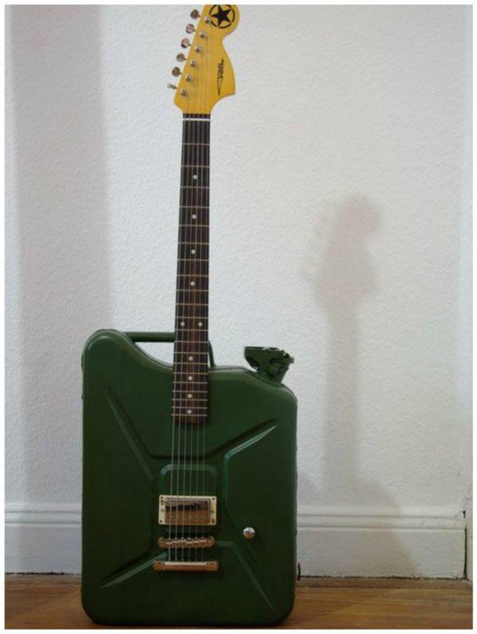 kreasi gitar unik Berbagai sumber