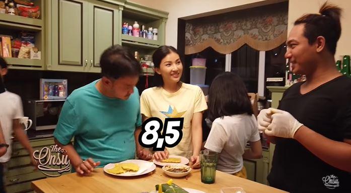 Dava jadi koki di rumah © YouTube