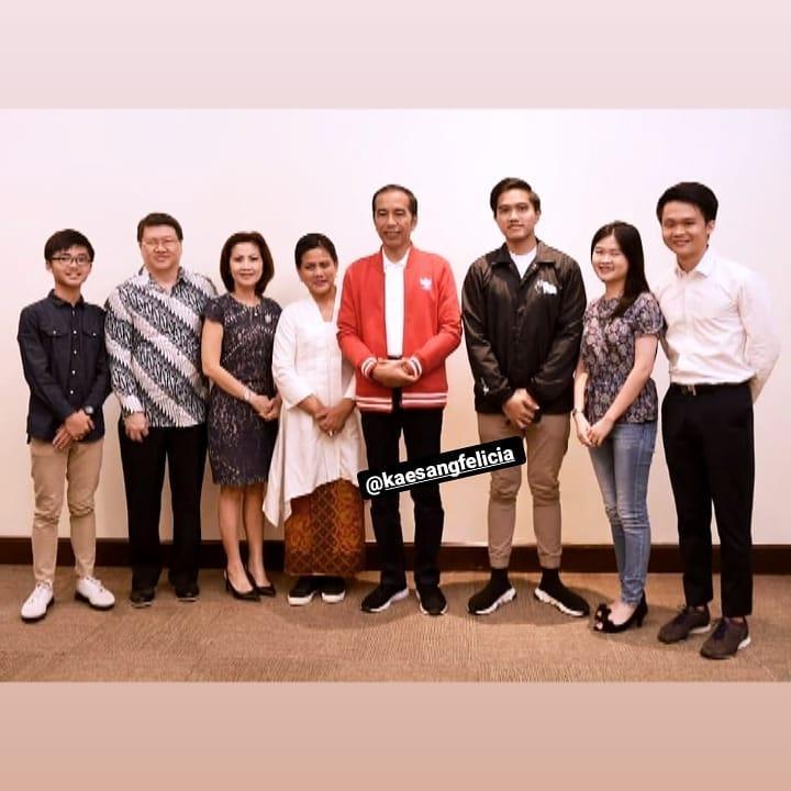 pertemuan keluarga Jokowi dan Felicia ini jadi sorotan Instagram