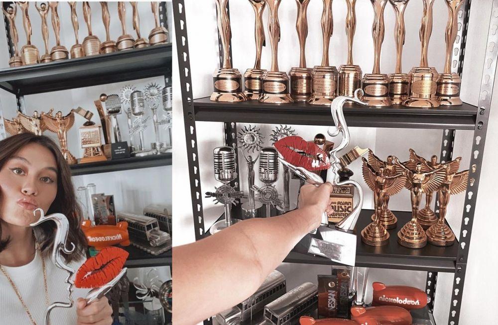 lemari piala penyanyi © 2021 brilio.net