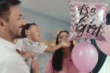 10 Potret keseruan baby shower Whulandary, dihadiri para sahabat