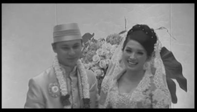 potret lawas pernikahan Ussy © 2021 brilio.net