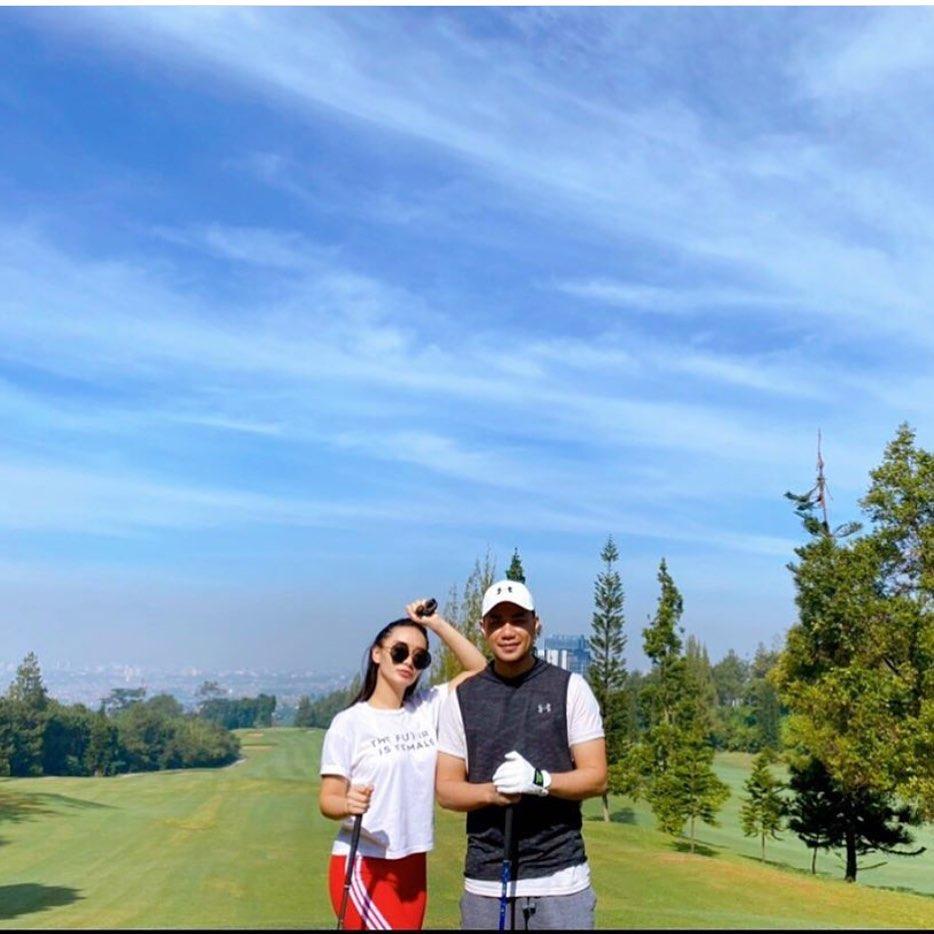 seleb cantik saat main golf Instagram