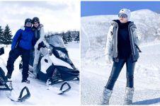 10 Momen liburan Syahrini di Jepang, jatuh saat badai salju