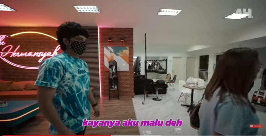 Potret studio konten YouTube The Hermansyah A6 YouTube dan Instagram