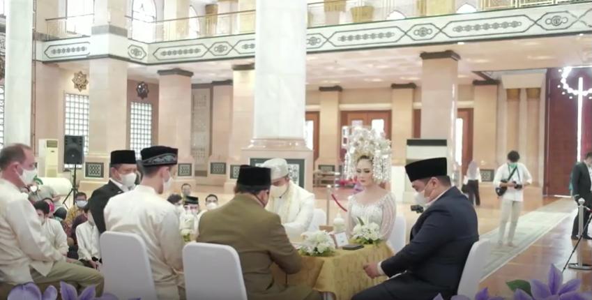 Momen haru pernikahan Sarah Gibson dan Diska Resha Putra YouTube dan Instagram