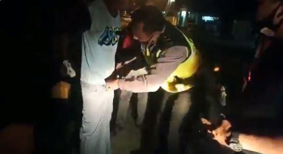 sosok polisi mengayomi ODGJ Twitter