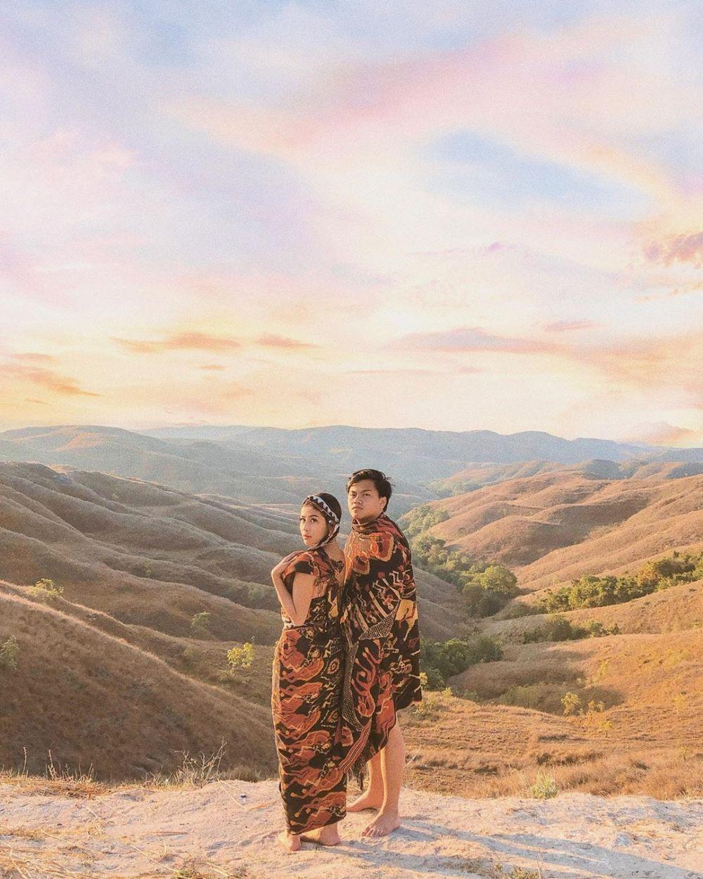 pasangan seleb di Sumba bak prewedding © 2021 brilio.net