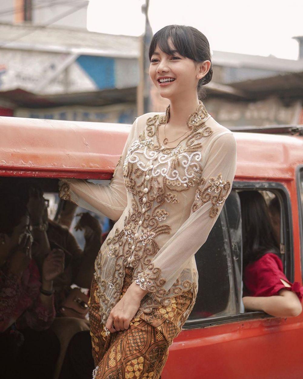 Aktris Ikatan Cinta pakai kebaya © 2021 brilio.net